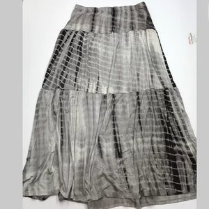 Romeo & Juliet Couture Gray Tie Dye Maxi Skirt
